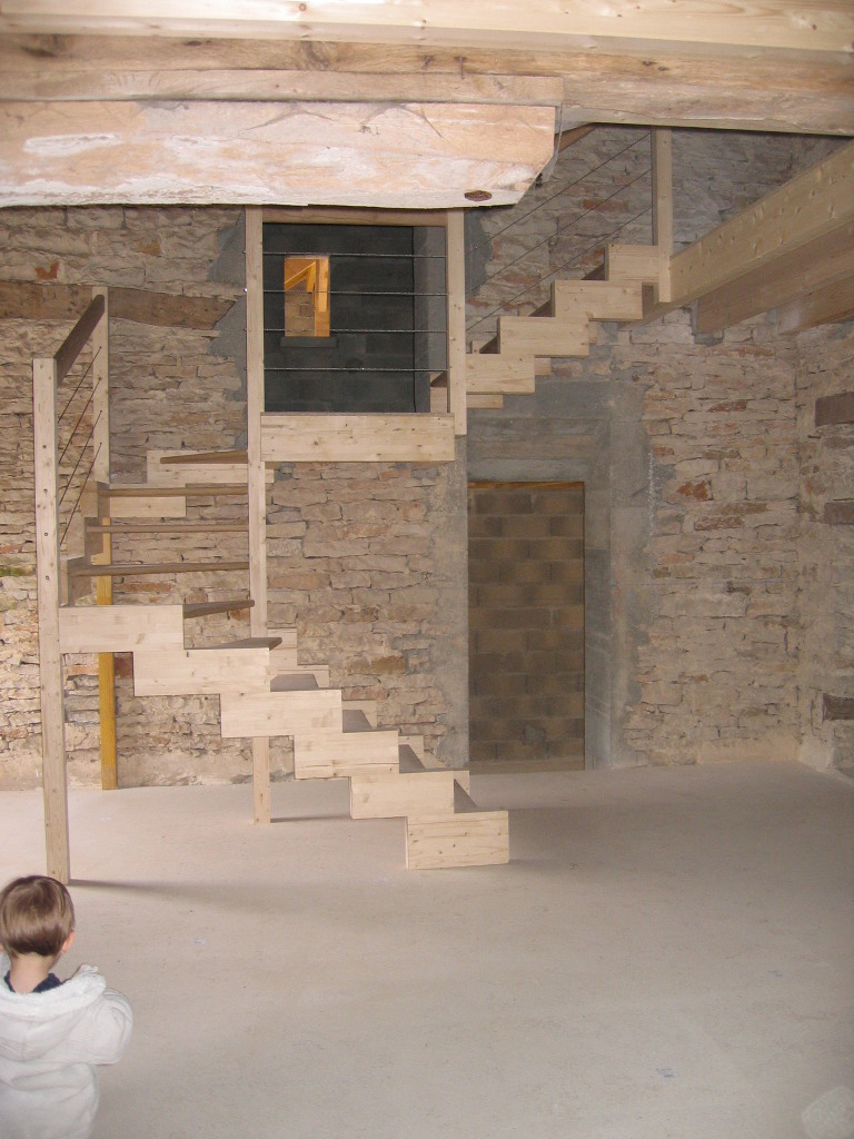 Escalier chêne et sapin design, câbles en inox