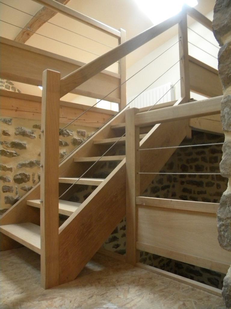 Escalier sans contre-marche, balustrade de niveau en chêne, avec imposte basse