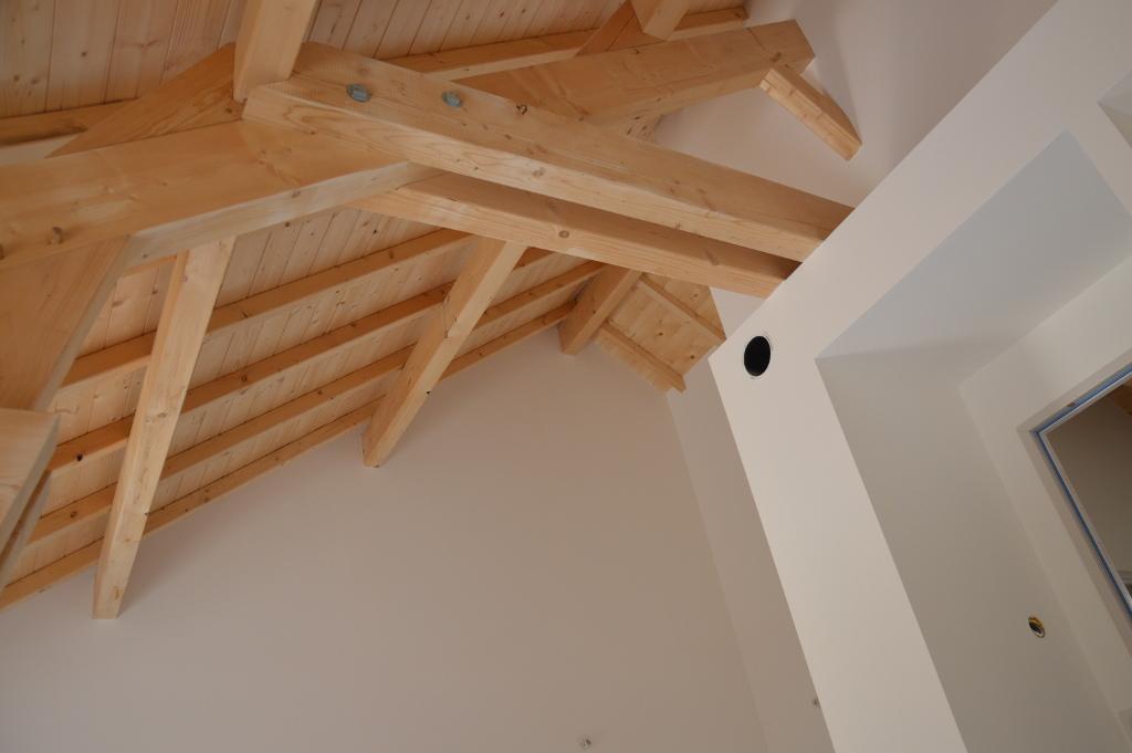 Intérieur d'une maison ossature bois, avec Sarking